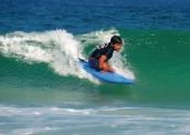 Menino que encantou Medina disputa Mundial de surfe adaptado nos EUA 172-x-122