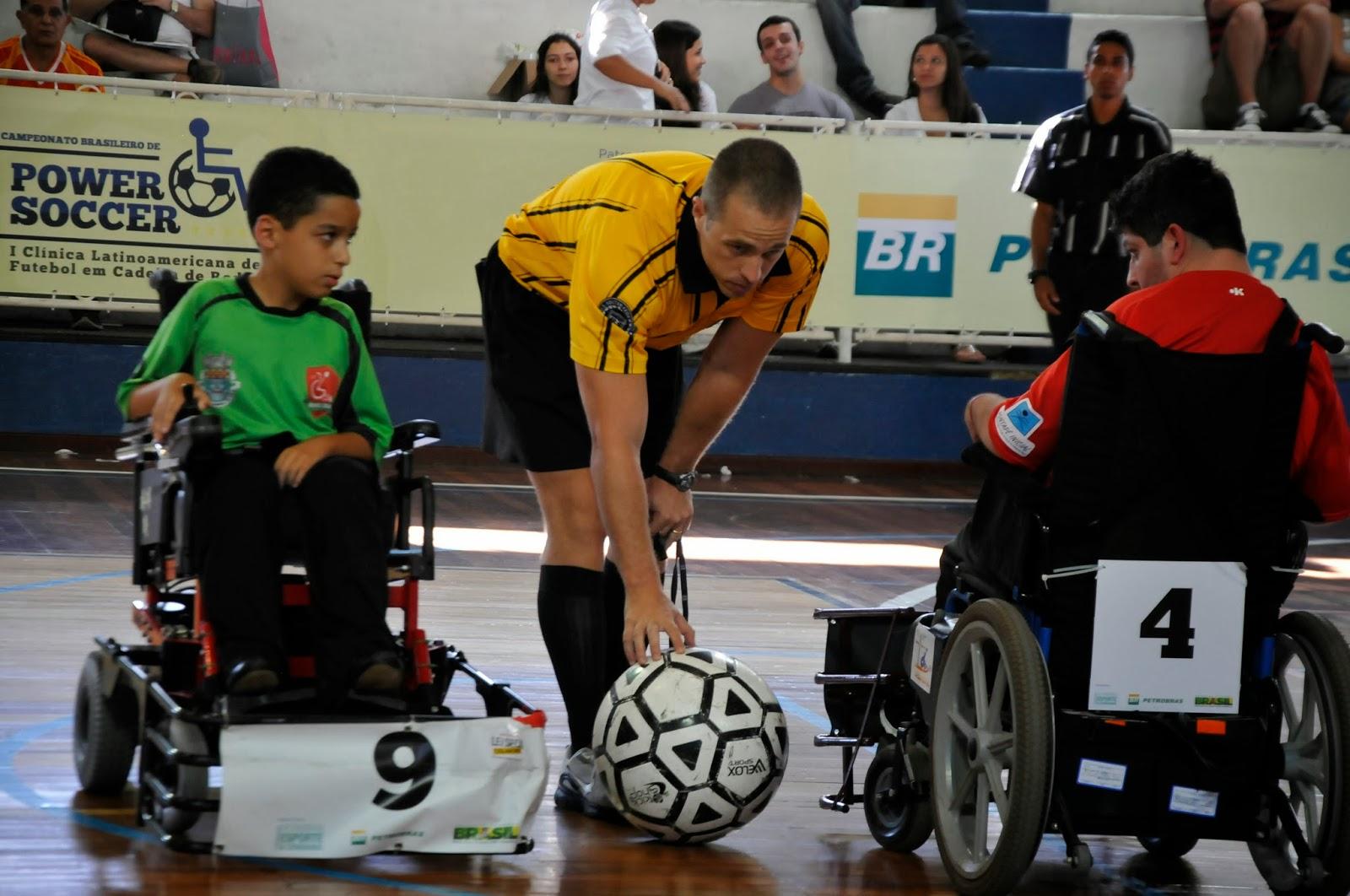 chute_colocado_futebol_cadeira_rodas_power_soccer1