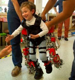 Exoesqueleto desenvolvido para crianças