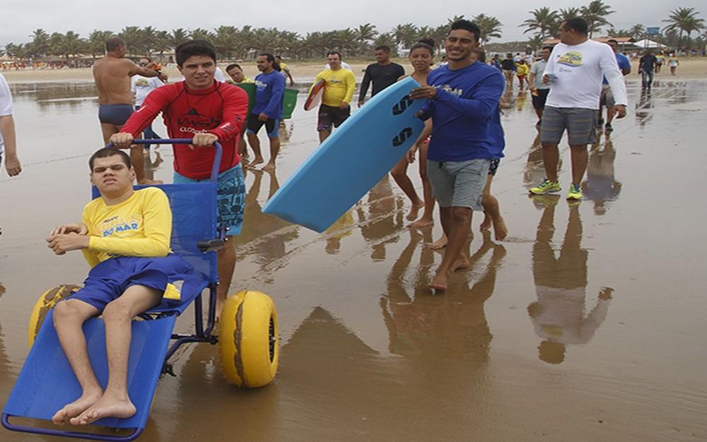 Projeto Praia para Todos, em Aracaju (SE) (Foto: Marco Vieira/PMA)